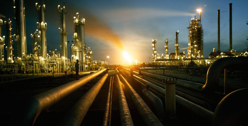 آثار تراجع سعر النفط على دول الخليج العربي.