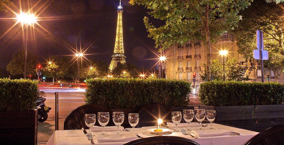 مطاعم تطل على برج ايفل