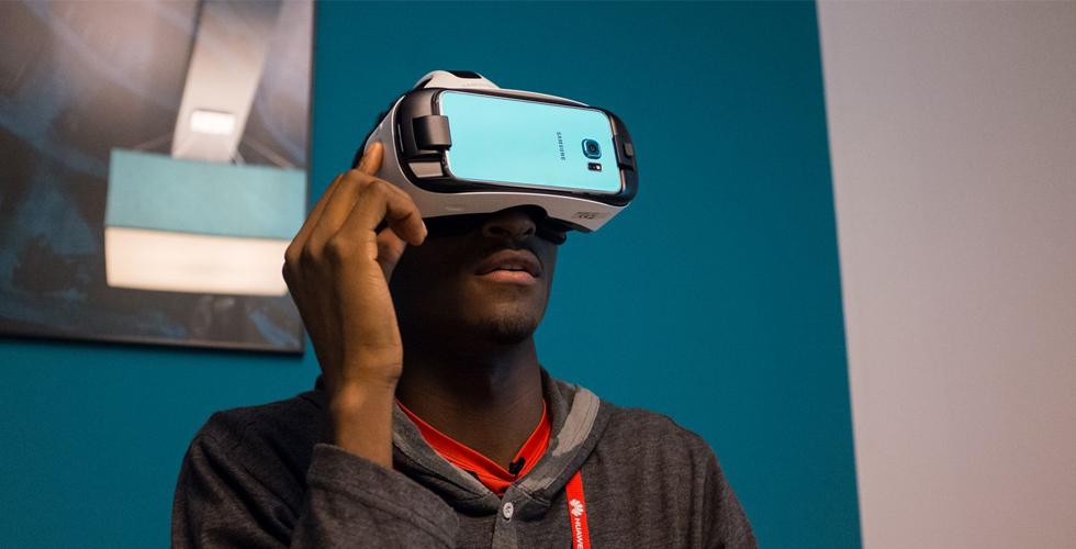 السامسونغ Gear VR: عالم افتراضي ب200 دولار