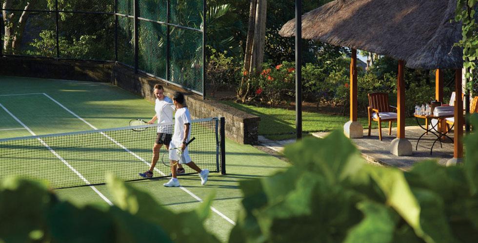 Four Seasons Bali يطلق برنامج جيم كورير للتنس