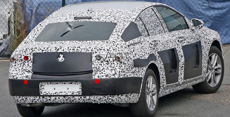 صور تجسسية لسيارة اوبل انسينيا 2017