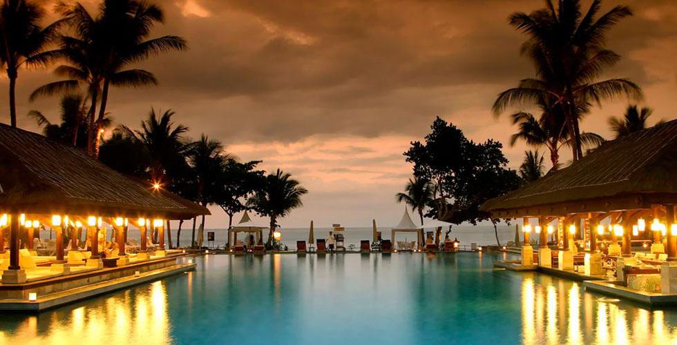 منتجع انتركنتننتال في جزيرة بالي... عالم آخر!