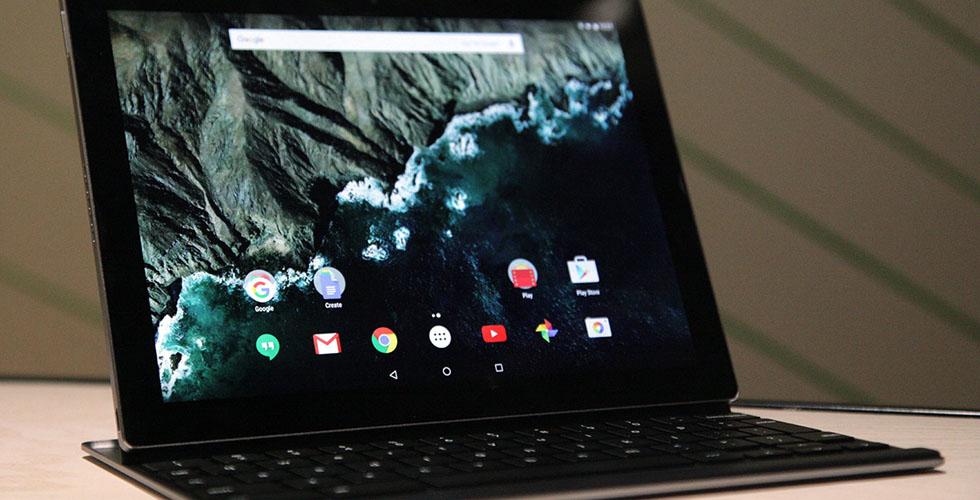 جوجل تنافس أبل باطلاق هاتفين وكمبيوتر