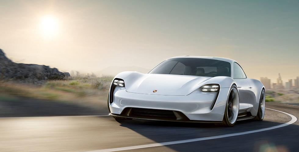 كيف تميّزت Porsche في ال2015؟