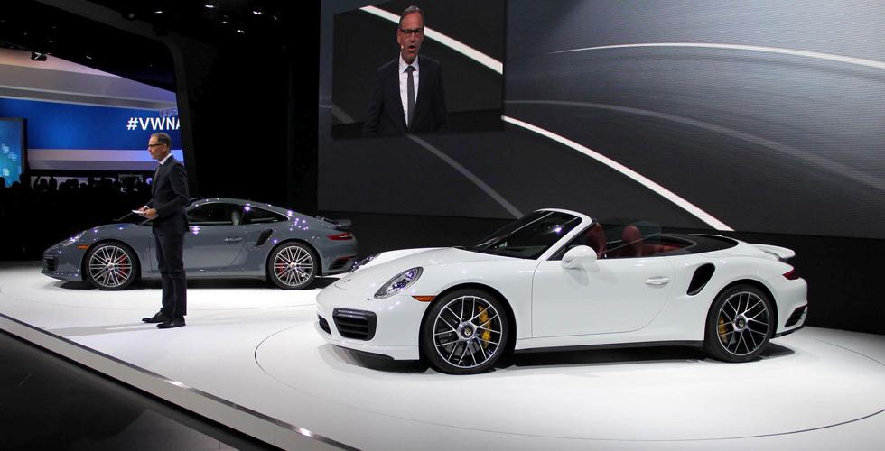 ما جديد Porsche في معرض ديترويت؟