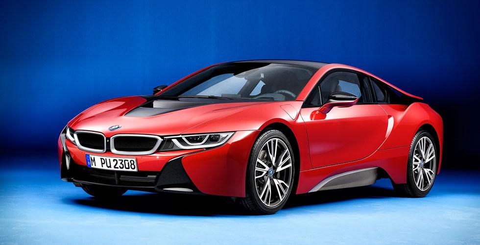 BMW i8  الحمراء في معرض جنيف