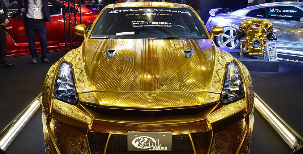 سيّارة ذهبيّة ب مليون $ إلى دبي