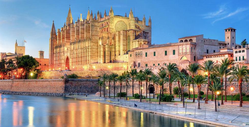 اكتشف Mallorca  الإسبانيّة