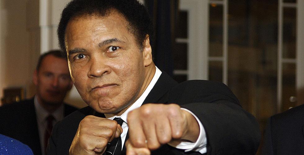 محمد علي في المستشفى