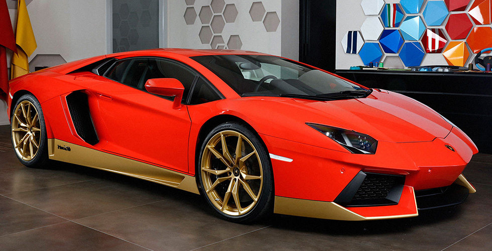 Lamborghini  تكرّم Miura  الستّينات
