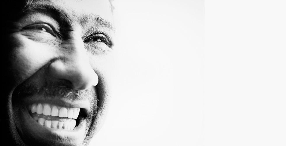 الجزائري خالد يبدع غناء في قرطاج