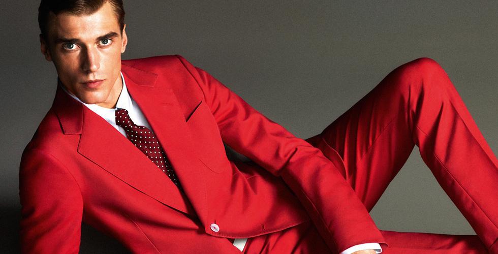 ما علاقة اللون الأحمر بشخصية الرجل؟