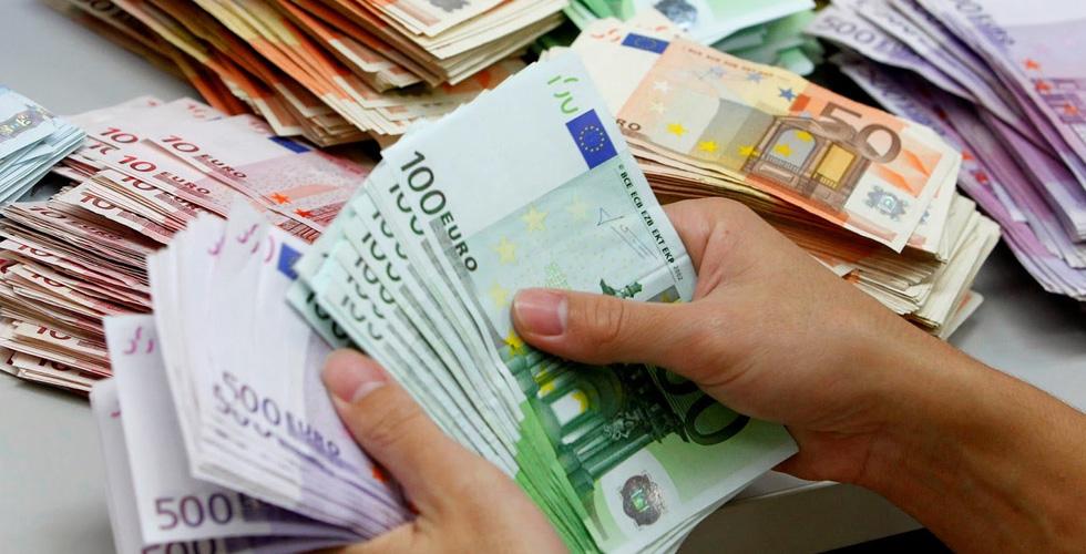 رأي السبّاق:هل تكون ال2017 سنة اليورو ؟