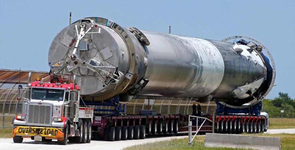 سبيس إكس السبّاقة في اطلاق الصواريخ الفضائية