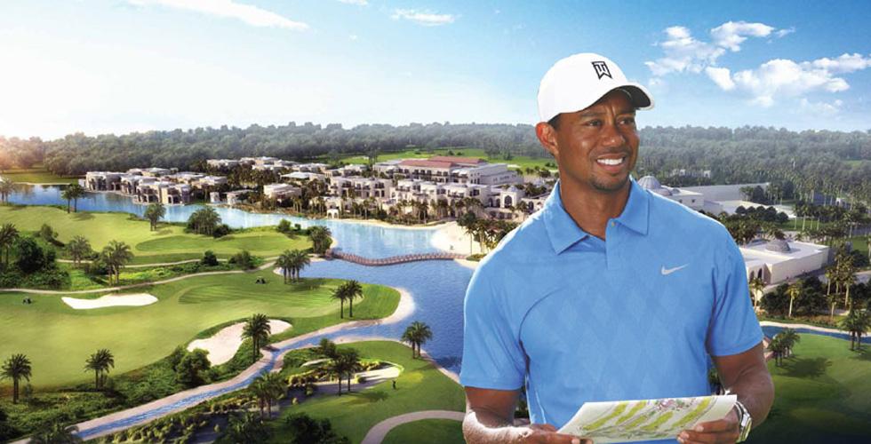 وودز يزور ملعب جولف في دبي