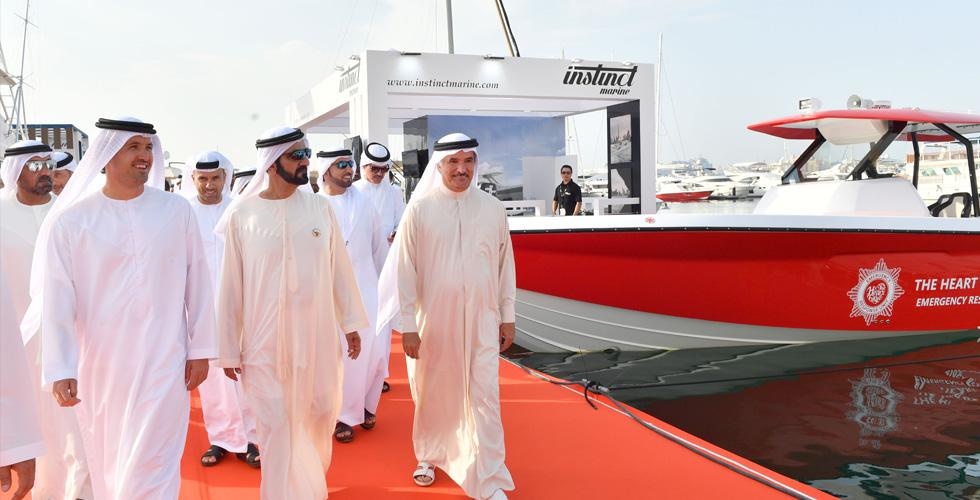 حاكم دبي في معرض القوارب