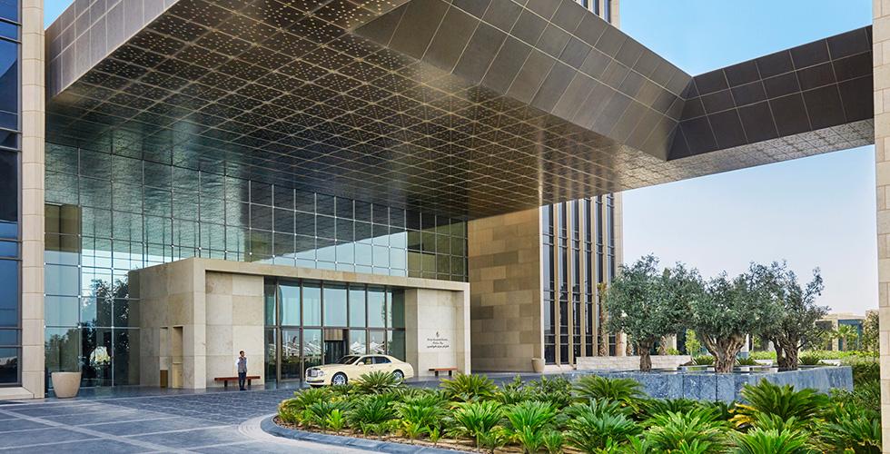 فورسيزونز البحرين يحصد اربع جوائز