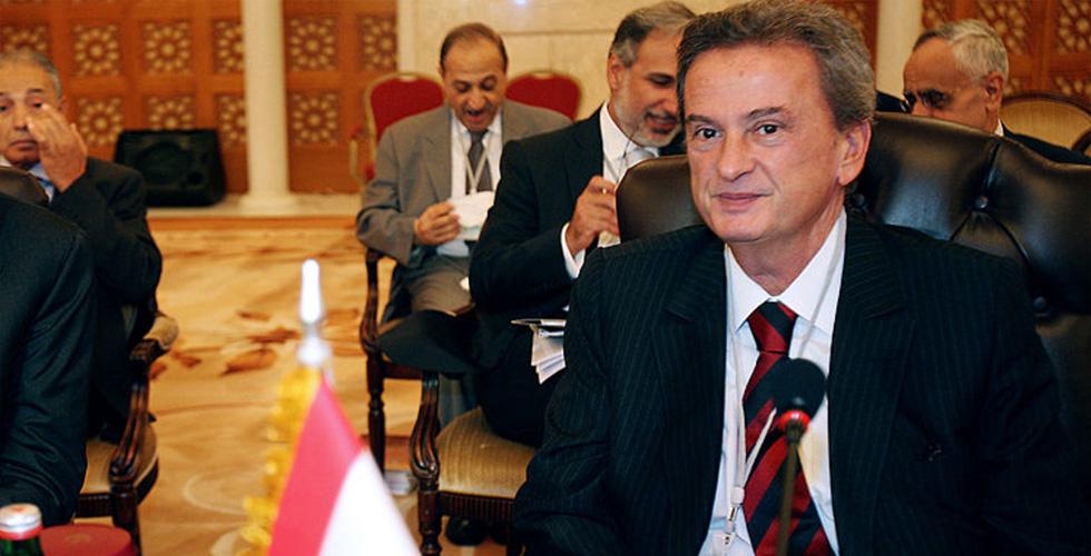 التجديد لحاكم المركزي اللبناني ..