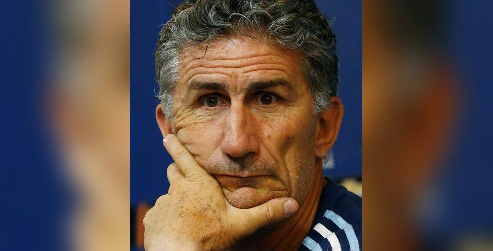 لماذا تعاقدت السعودية مع مدرب أرجنتيني بدلا من الهولندي؟