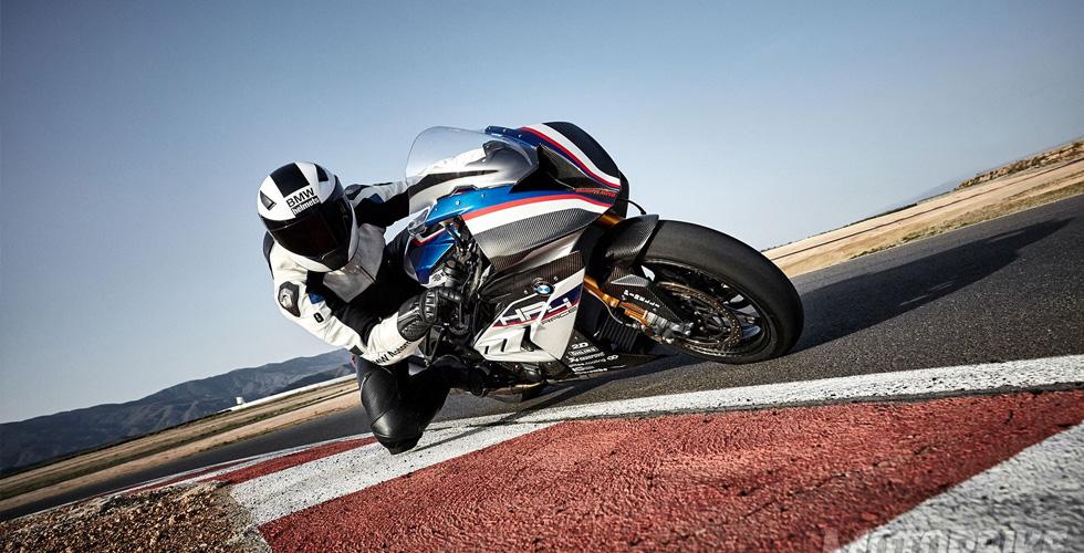 درّاجة HP4 Race  الحصريّة من BMW  تنطلق