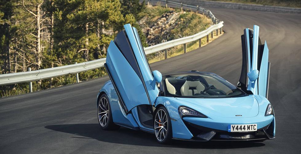 أفخر النّماذج في معرض دبي الدّوليّ للسّيّارات