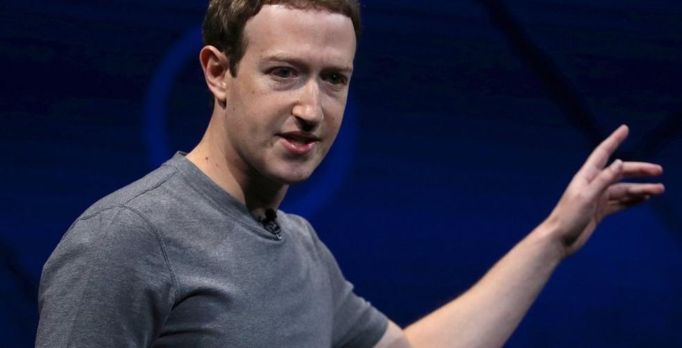 فيسبوك تُخسر المسوّقين المستخدمين