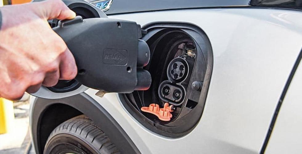 سيّارة فورد كهربائيّة رباعيّة الدّفع بحلول عام 2020