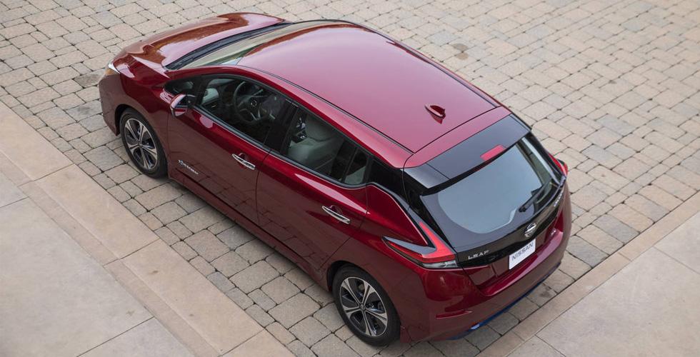 نيسان تحوّل سيّارة أساسيّة إلى كهربائيّة بحلول 2025