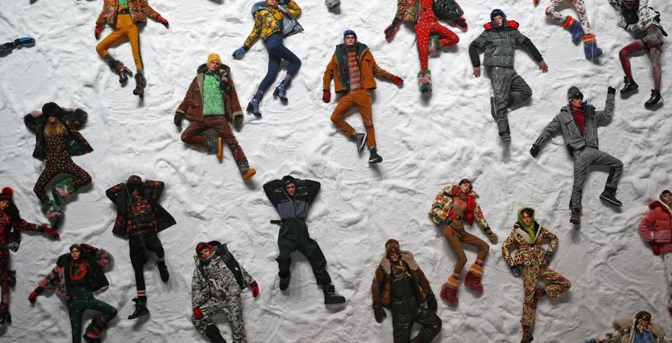 ما هو اقتراح دار مونكلر في تغيير قواعد عرض الأزياء؟