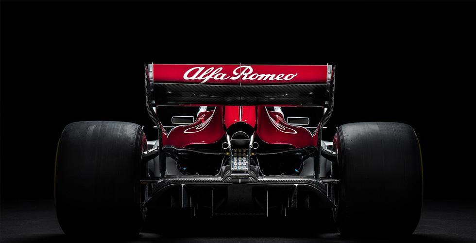 هذه سيّارة ألفا روميو وصوبر لفورمولا ١ ٢٠١٨