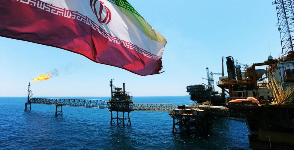 أيّ أثر لتراجع تصدير الخام على الاقتصاد الايراني؟
