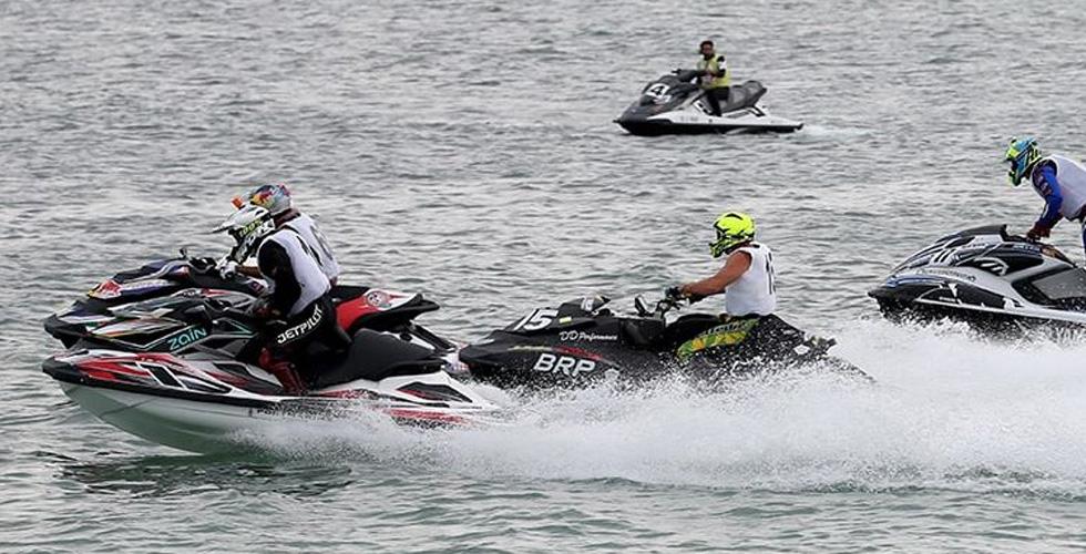 بطولة الإمارات للدرّاجات المائية