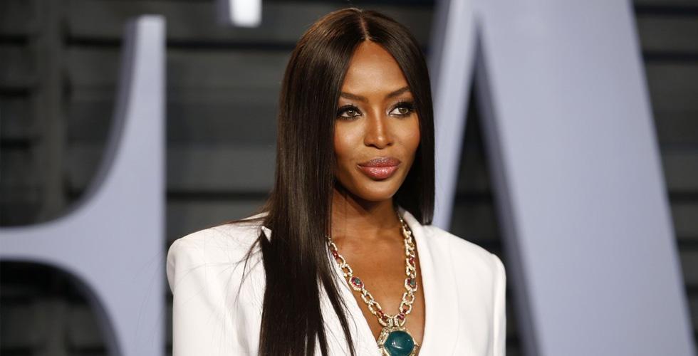 كامبل تنتفض مطالبة بحقوق افريقية في الأزياء