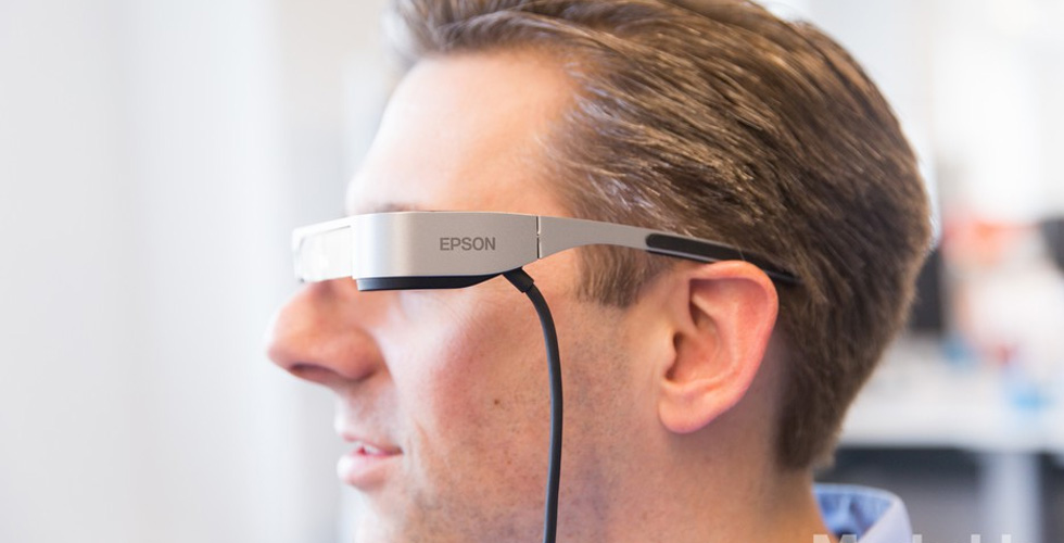 هل تبني آبل نظّارات الواقع المضخّم؟