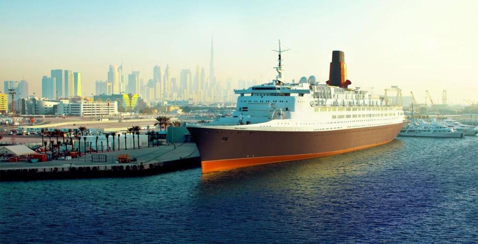 ذا كوين إليزابيث ۲: فندق عائم في دبي