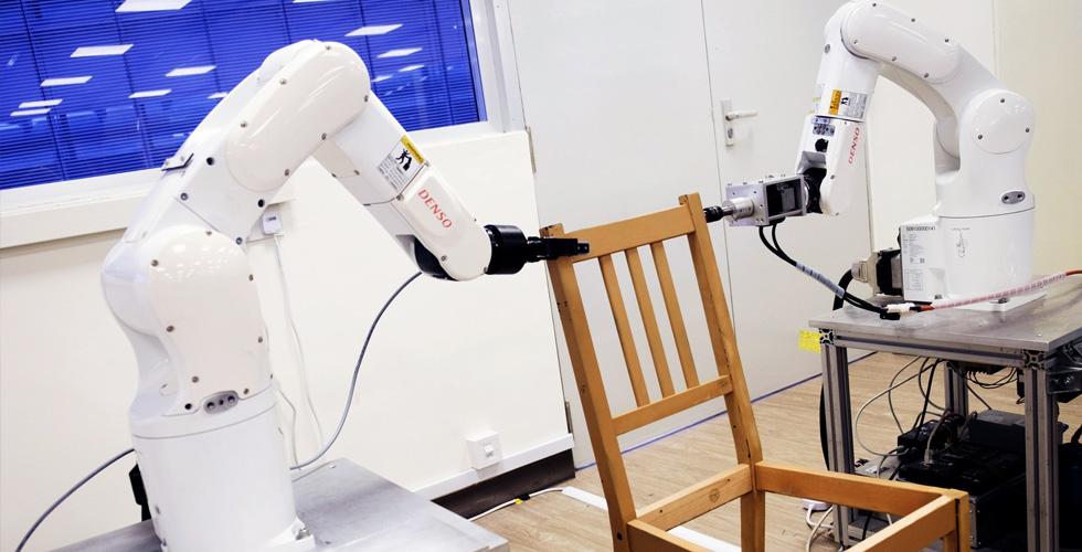 الروبوت يفرض نفسه عاملا في التصنيع