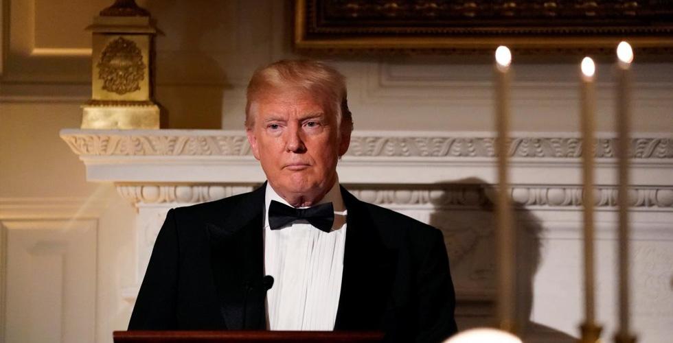 لماذا الغموض في اجتماع ترامب مع رئيس أبل؟
