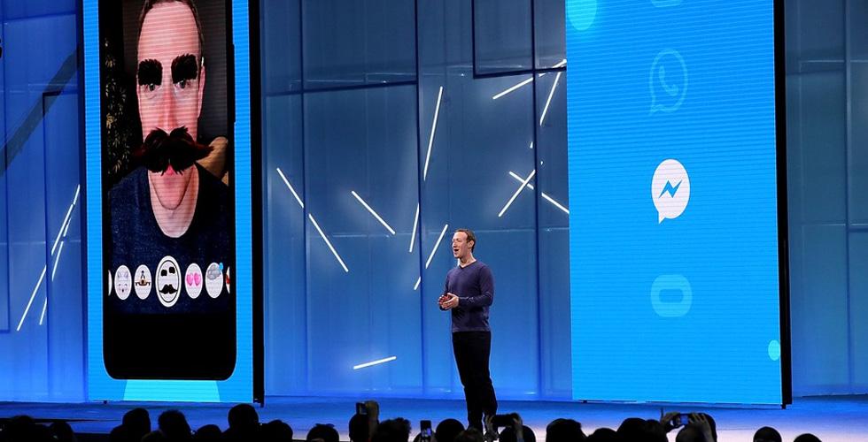 Facebook  تغلب Snapchat  في لعبتها