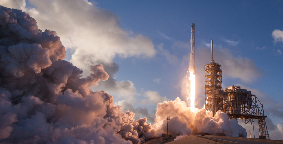 سبيس إكس تعود اليوم وتطلق صاروخها بعد خلل
