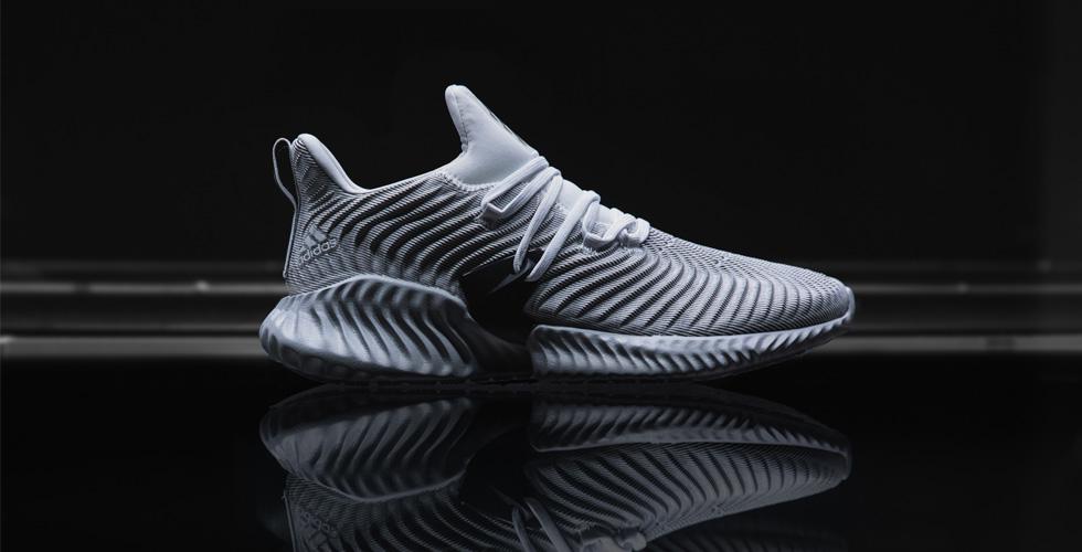 حذاءٌ تقنيٌ جديدٌ من أديداس