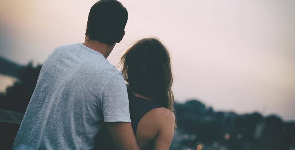تقنيات فعالة لتعزيز العلاقة الرومانسية