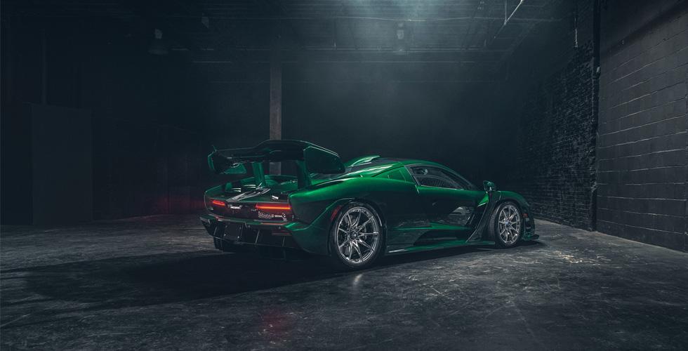 McLaren Senna  بأخضر الزمرّد