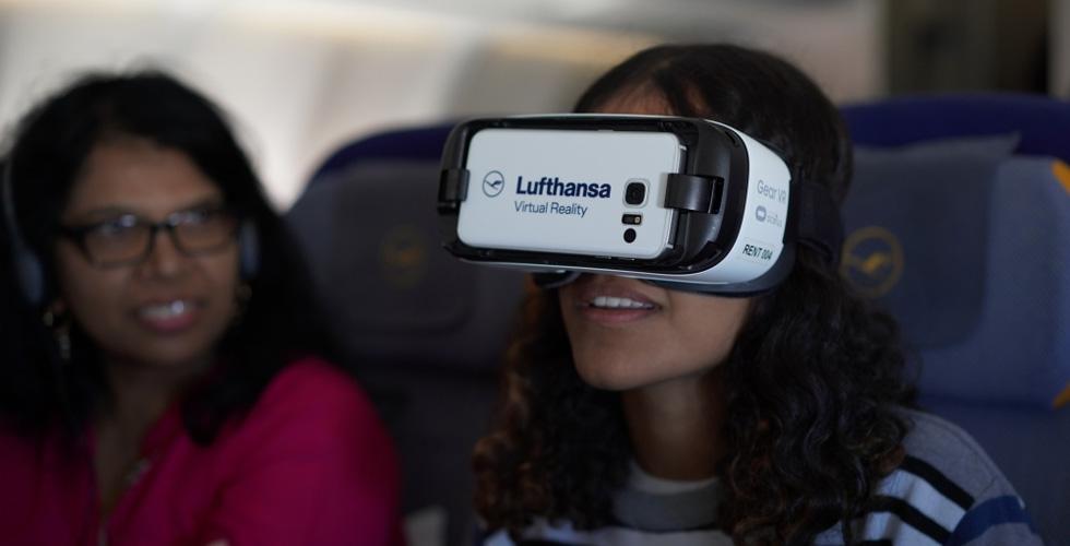لوفتهانزا تجربة جديدة إفتراضية داخل الطّائرة
