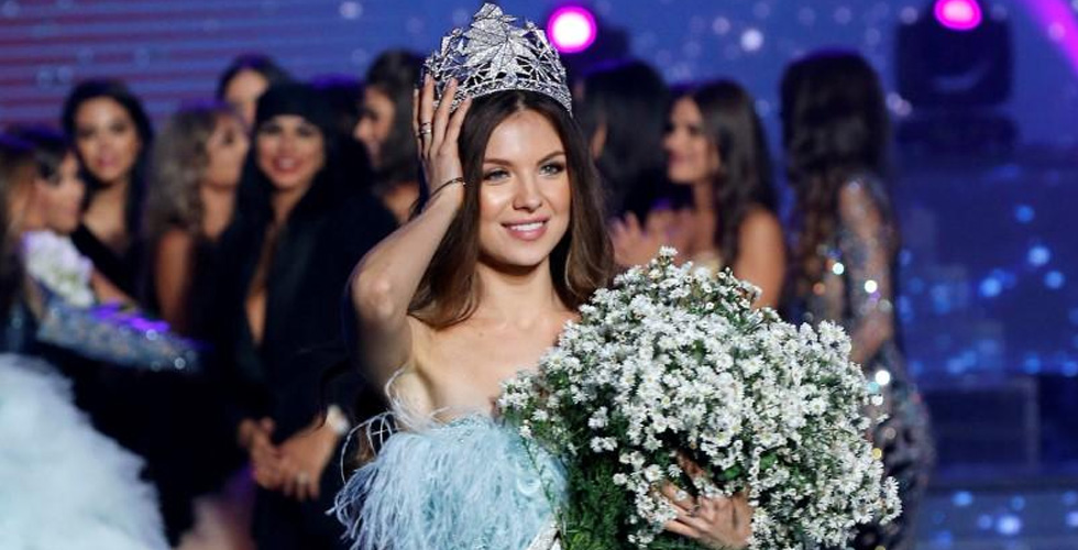 مايا رعيدي ملكة جمال لبنان في حفل مبهر