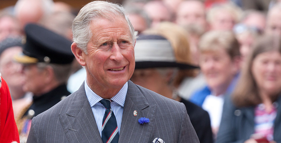 الأمير تشارلز يهدّد عائلته المالكة
