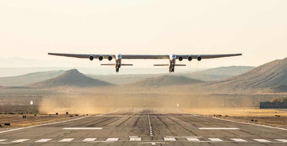 أكبر طائرة في العالم تطير للمرّة الأولى