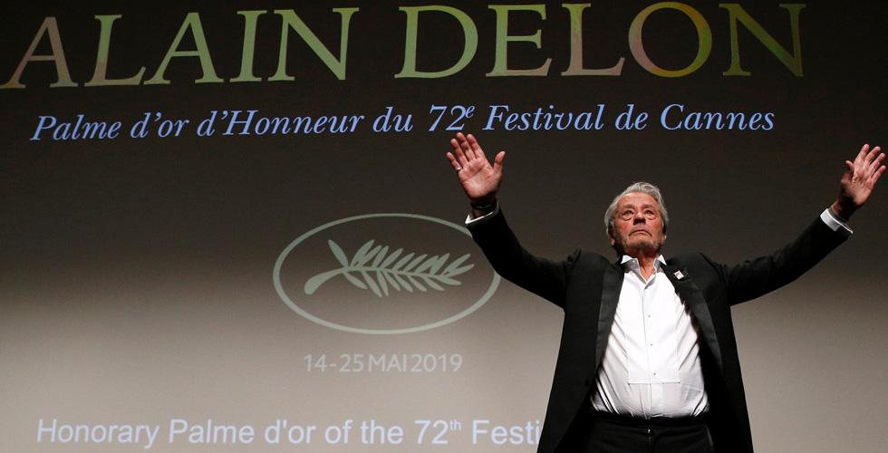 مهرجان كان كرّم ألان ديلون المثير للجدل