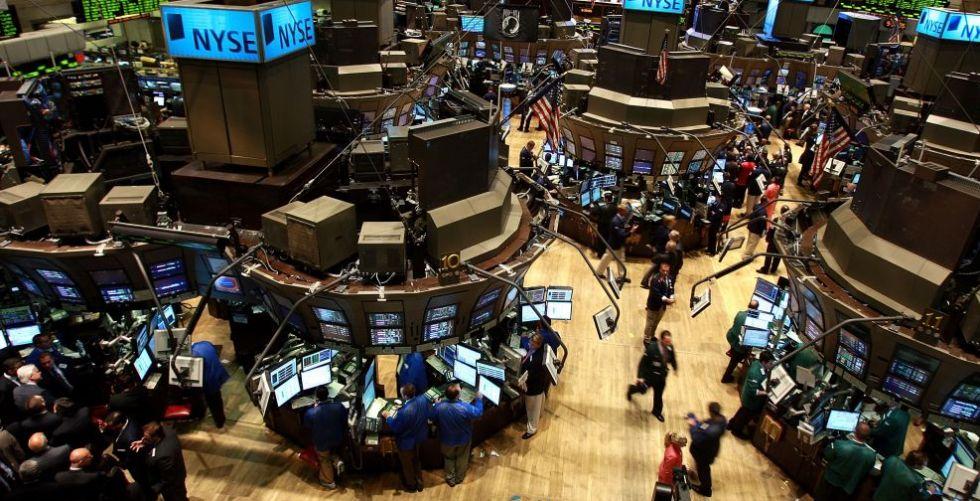 شركة أمازون تهدد أسواق التجزئة وولت ستريت