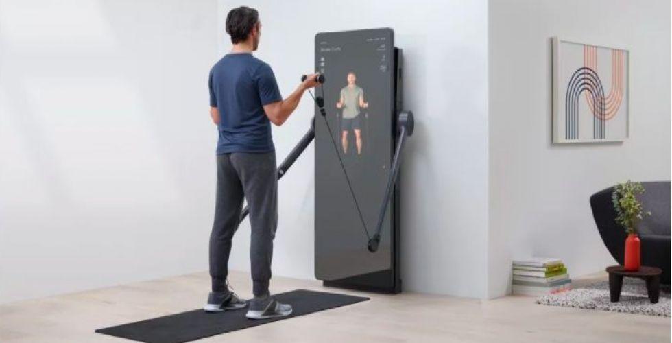 تمارين رياضية أمام المرآة السحرية