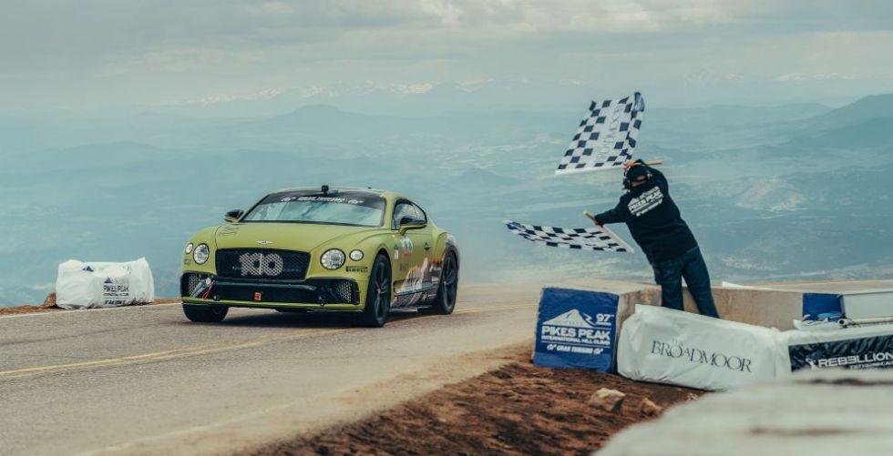 Bentley Continental GT تكسر الرقم القياسي